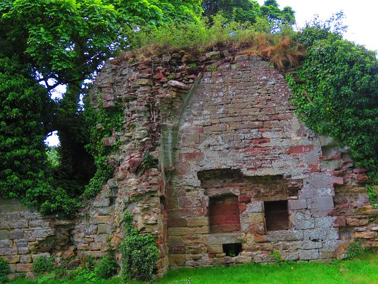 Lindores Abbey Ruins