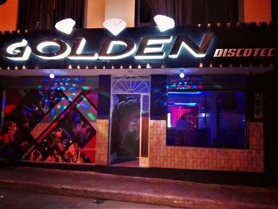 Banos, Ecuador: Golden Discotec Exterior