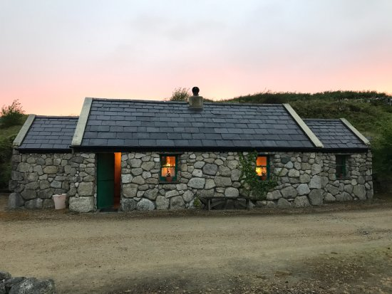 Spiddal, Ireland: One of the available cottages
