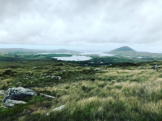 Cnoc Suain: Nearby Connemara National Park