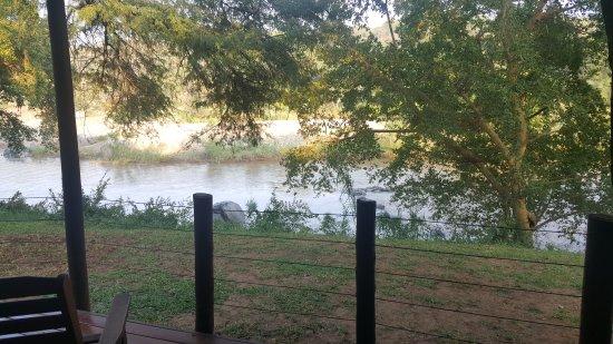 Bushriver Lodge: 20170526_074730_large.jpg