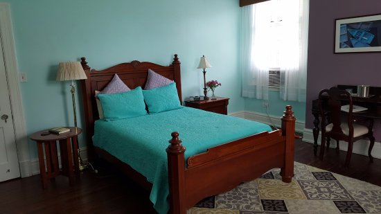 Morehead Manor Bed and Breakfast: Jasmine Room - Queen Bed