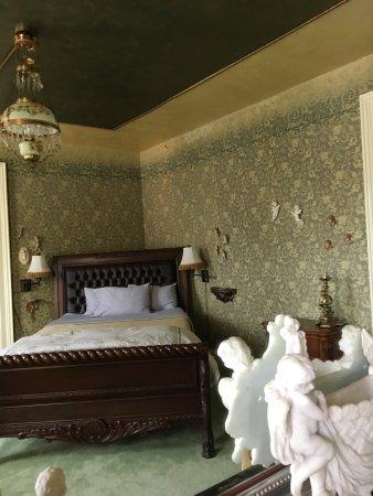 Central City, CO: Walter Huston Room- Angelica Hustons' Granddad.