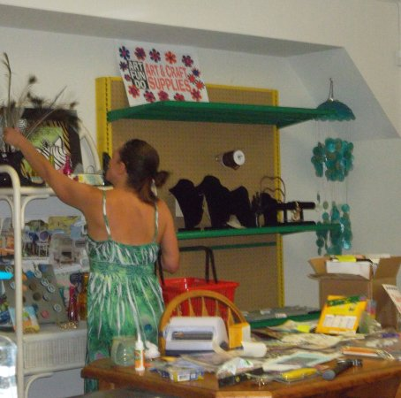 Holly Hill, FL: ArtFunDo is an eclectic art and craft supply store, we're moving soon, so come check us out!