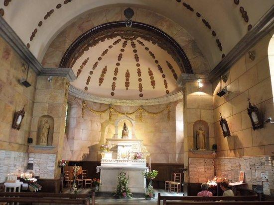 Saint-Romain-d'Ay, France: La chapelle