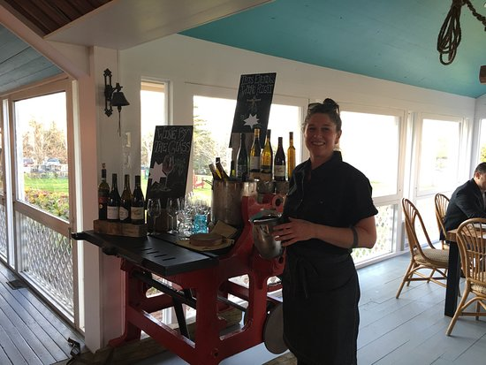 Bay Fortune, แคนาดา: Our Sommelier, Erin Turke