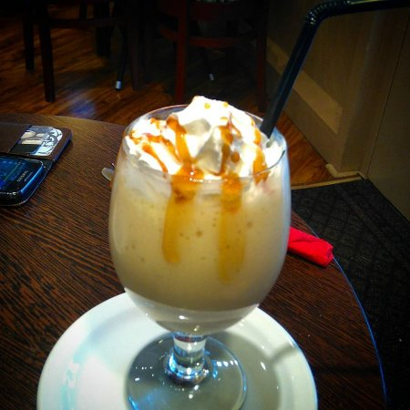 Mio Mondo at The Coffee Bean : Banana milkshake