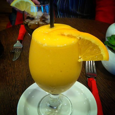 Mio Mondo at The Coffee Bean : Mango smoothie
