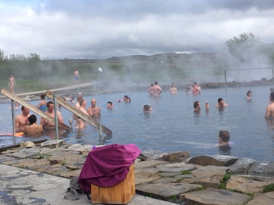 Should You Book Iceland Tours In Advance