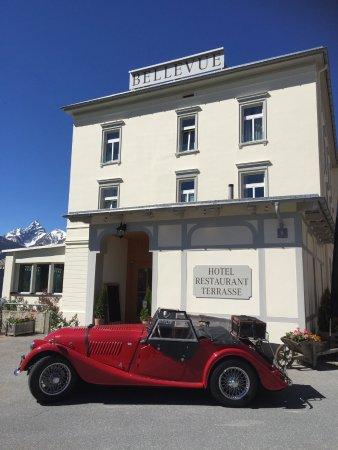 Wiesen, สวิตเซอร์แลนด์: Bellevue mit Oldtimer