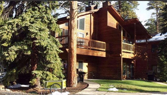 The Woodlands on Fall River: Lovely cabins!