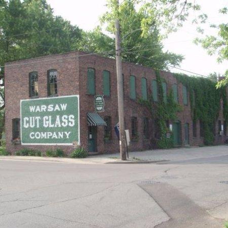 Exterior shot of Warsaw Cut Glass.  At the corner of South Detroit St. and Pope St.