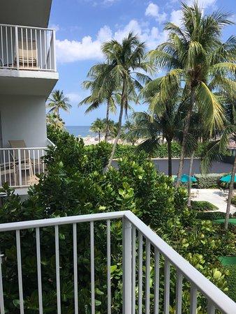 Deluxe One Bedroom Suite Beach View Bild Fr N Lago Mar Beach Resort Club Fort Lauderdale