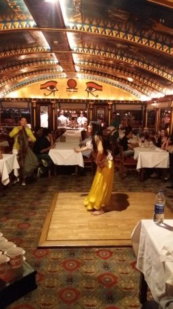 Nile Pharaohs Cruising Restaurant: Danza del vientre