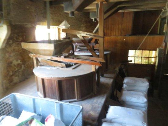 Vlaardingen, Países Baixos: De Molenstenen in hun kast