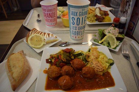 Montivilliers, France: Les plats : hachis de bœuf à la mexicaine & maxi andouillette