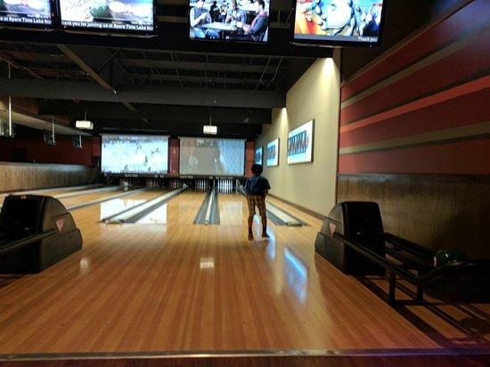 Huntersville, NC: Bowling