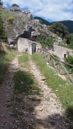 Padula, Italie : L'eremo in prossimità del cancello d'ingresso
