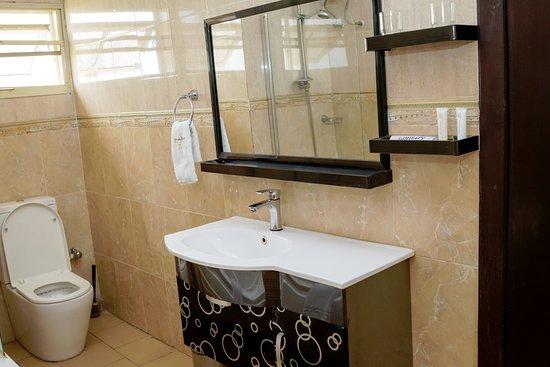 Ikeja, Nigeria: Toilet