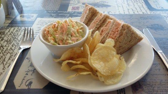 An Cala: Smoked Salmon Sandwich