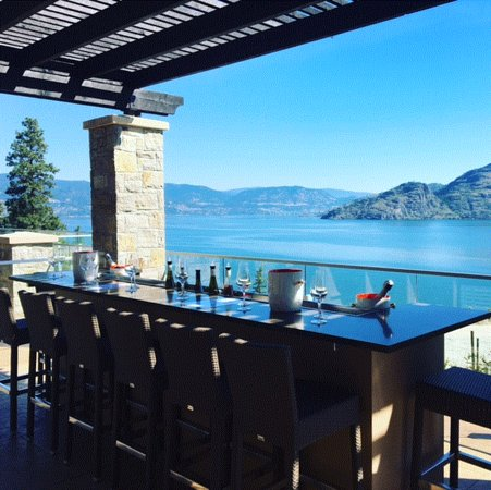 Peachland, Canada: getlstd_property_photo