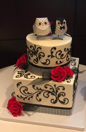 Freeds Bakery Custom Wedding Cake Tasty And Stunning