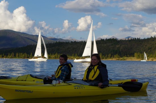 Adventure Paddle Tours : Better sailboats than ski boats