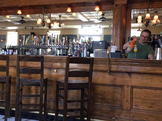 Ward 6 Food & Drink: The bar