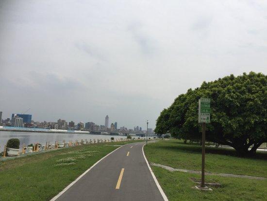 河滨自行车道