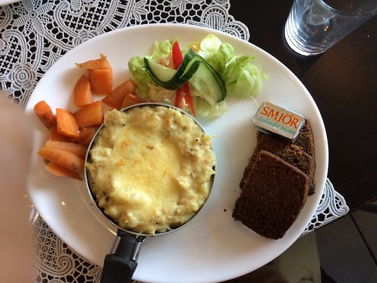 Kjot & Kunst: fish pie and rye bread