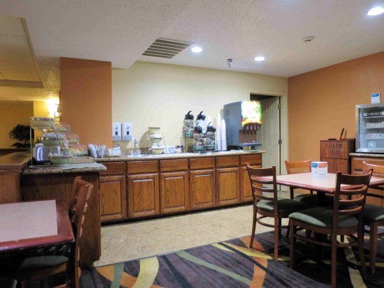 Muskogee, Oklahoma: Breakfast area