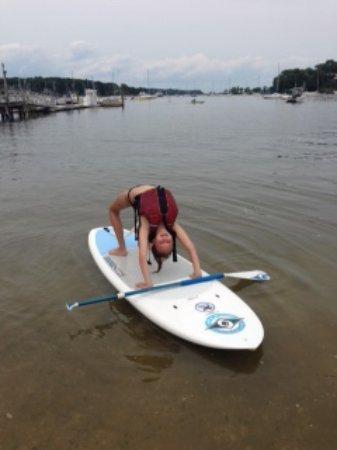 Cold Spring Harbor, Estado de Nueva York: Yoga on a SUP Board