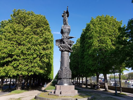 Monument a Adam Mickiewicz