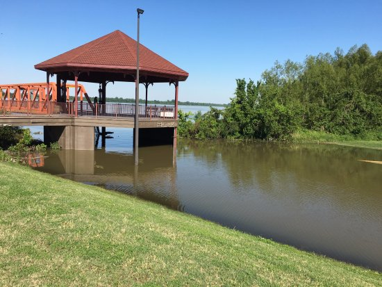 Caruthersville, MO: entrance to casino (flooded)