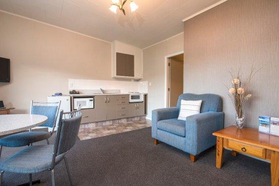 Interior - Picture of Bay Vista Waterfront Motel, Picton - Tripadvisor