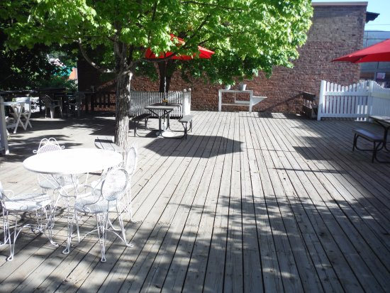 Priest River, ID: Patio Area