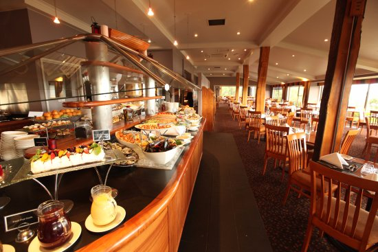 Strahan Village: View 42 - Seafood Buffet