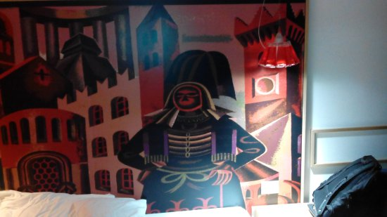 Parete Doro : Con una stupenda parete dipinta foto di hotel aquila d oro
