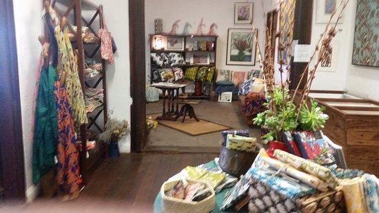 Middle Swan, Australia: Small Shop Inside