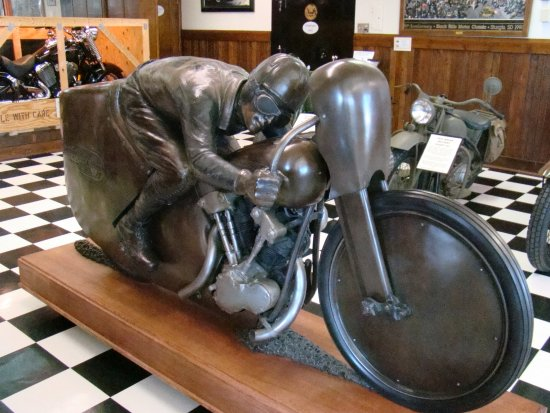 Sturgis Motorcycle Museum & Hall of Fame: Cool