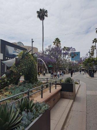 Third Street Promenade: 20170525_140755_large.jpg