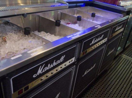 Howell, MI: Marshall Amp ice bin