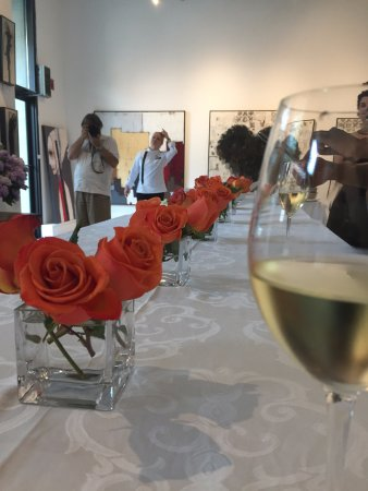 Ottawa, Canada: Vernissage is always a first class event with great food and wine!