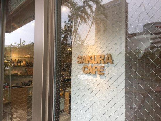 Sakura Cafe: Entrance