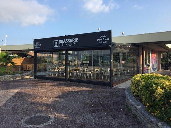 La brasserie du port st laurent du var - Restaurant port de saint laurent du var ...