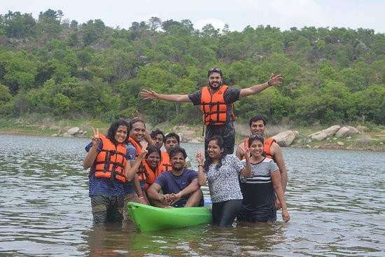 Fever Pitch Basecamp : Happiness after Kayaking !