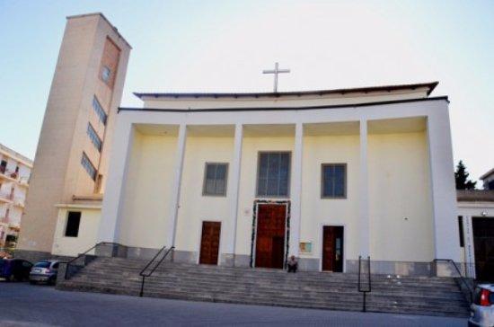 La foto della facciata della chiesa di San Giuseppe a Melito di Porto Salvo