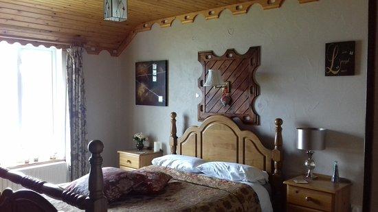chambre lumineuse, décorée avec amour et vue directe sur la baie ...