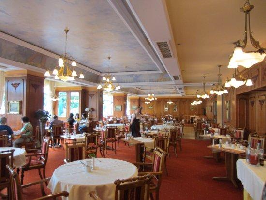 Bellevue Rheinhotel: The Dining Room with river view.