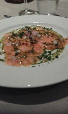 Replonges, França: carpaccio de saumon